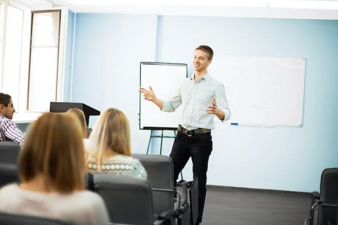 The difference between presenting and training
